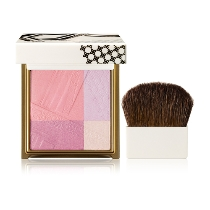 Styling Romantic Blusher